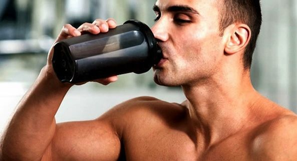 bebiendo-proteinas