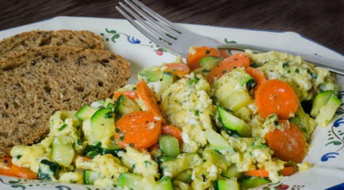Revuelto de huevos con verduras