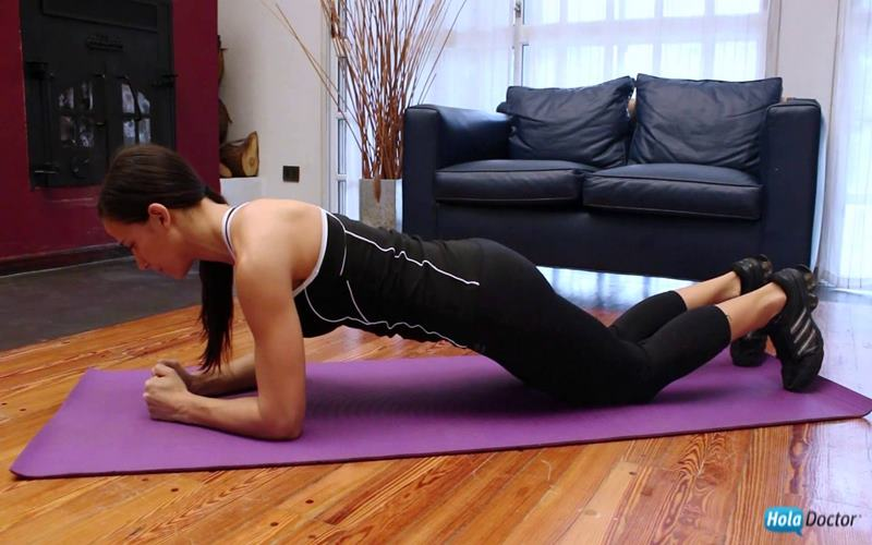 abdominales isométricos apoyo rodillas