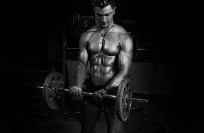 Entrenar bíceps y tríceps juntos