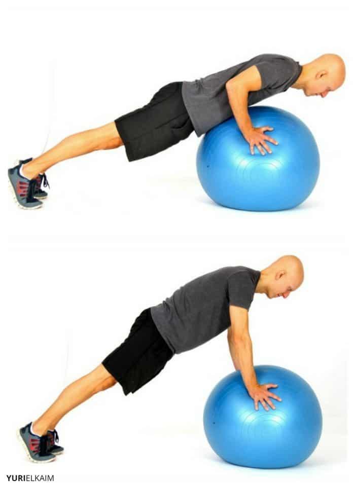 Flexiones con pelota de estabilidad