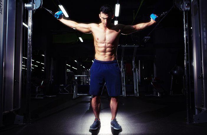 bíceps en polea