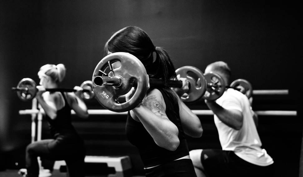 Rutinas de definición muscular para dar visibilidad a los músculos