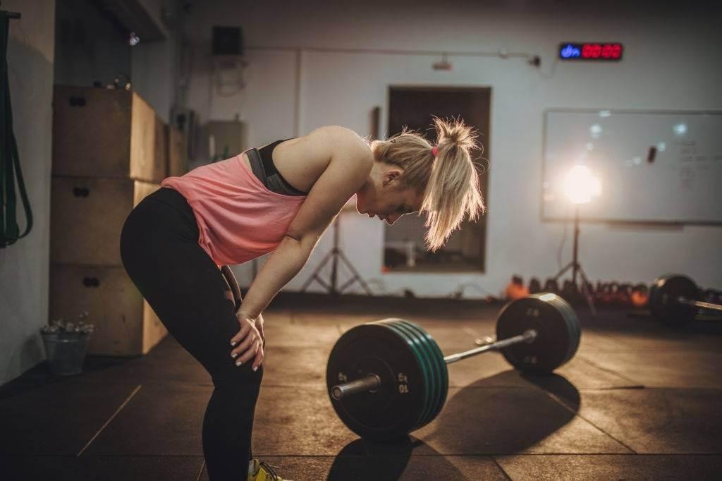 mujer-fatigada-del-entrenamiento